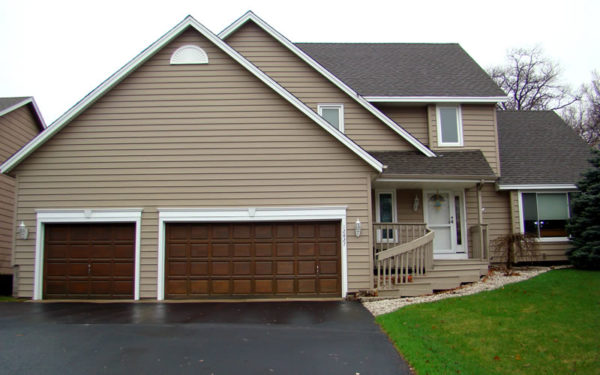 3 Popular Types of Vinyl Siding to Transform Your Curb Appeal